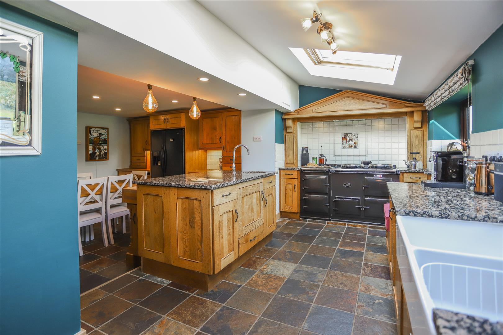 4 Bedroom Semi-detached House For Sale - 6.JPG